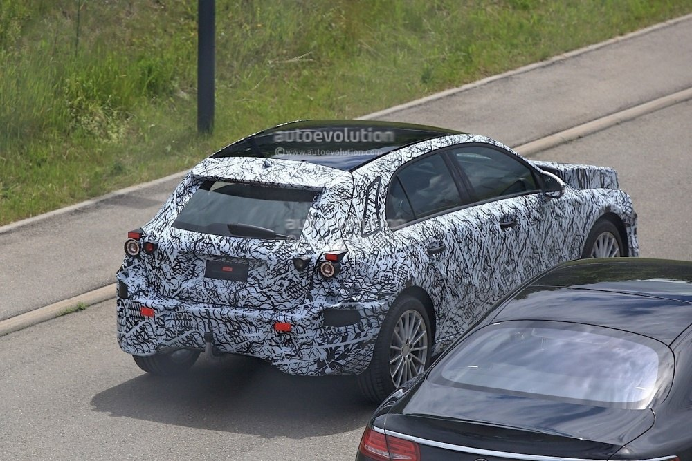 2018-mercedes-benz-a-class-prototype-shows-up-for-testing_11