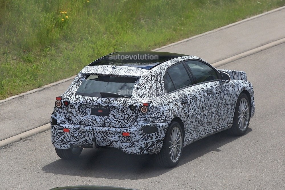 2018-mercedes-benz-a-class-prototype-shows-up-for-testing_12