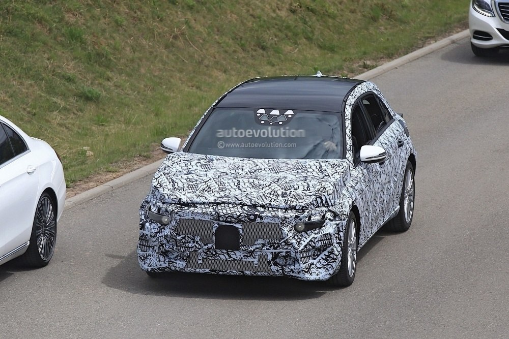 2018-mercedes-benz-a-class-prototype-shows-up-for-testing_2