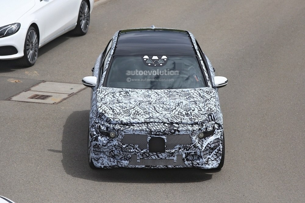 2018-mercedes-benz-a-class-prototype-shows-up-for-testing_3