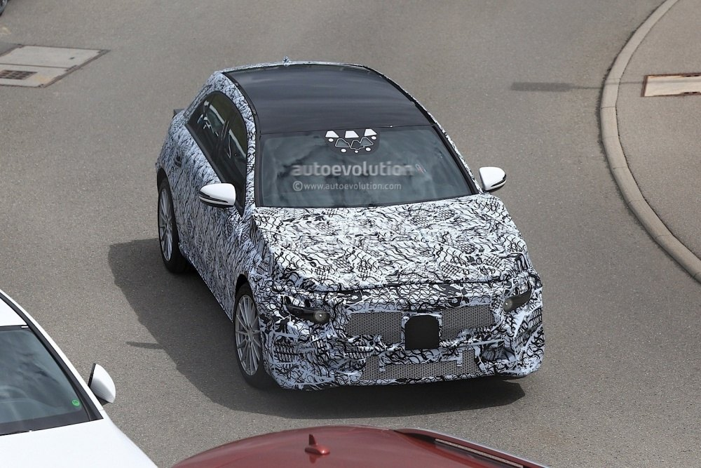 2018-mercedes-benz-a-class-prototype-shows-up-for-testing_4