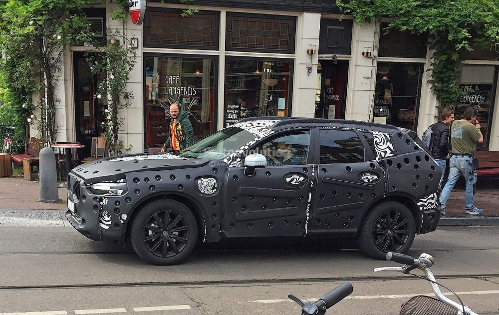 2018-volvo-xc60-spied-for-the-first-time-in-amsterdam_1