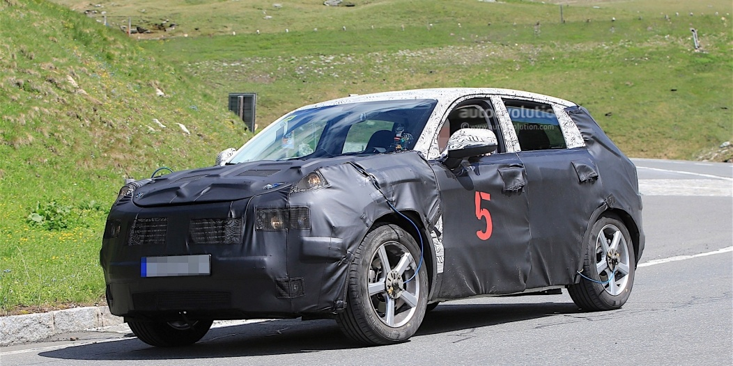 geely-Crossover-spy_11