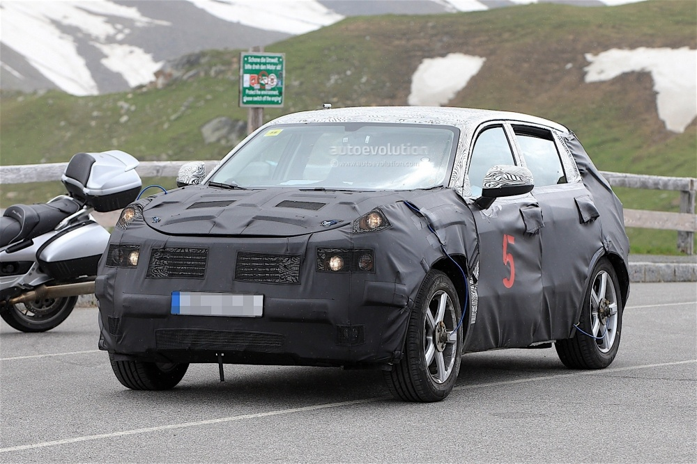 geely-Crossover-spy_2