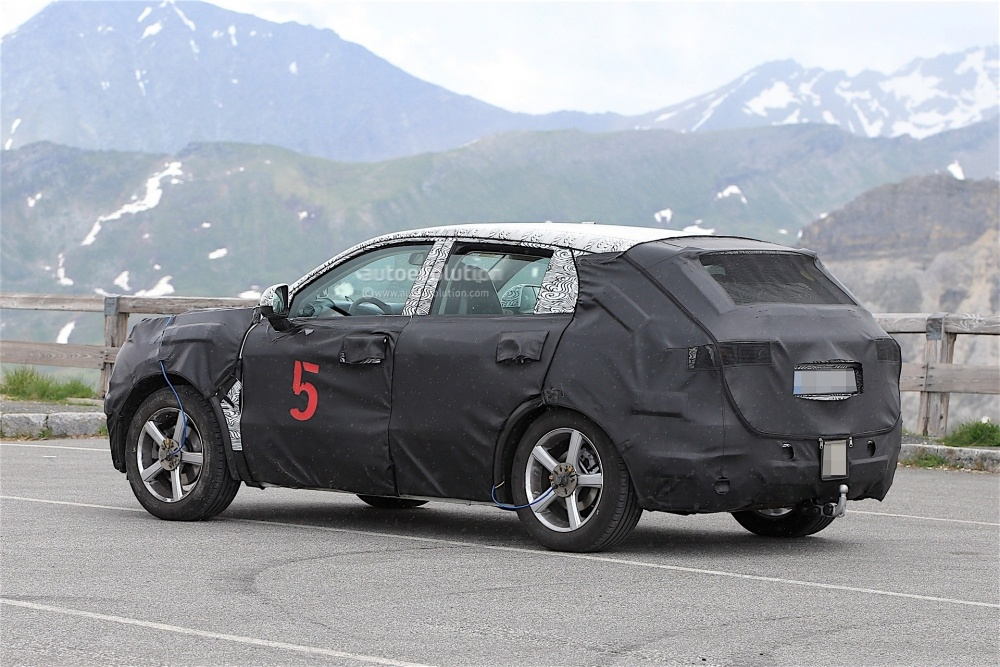 geely-Crossover-spy_6