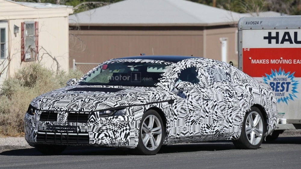 2018-volkswagen-cc-spy-photo (4)