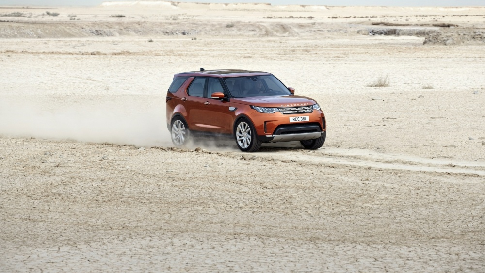 2017-land-rover-discovery-12