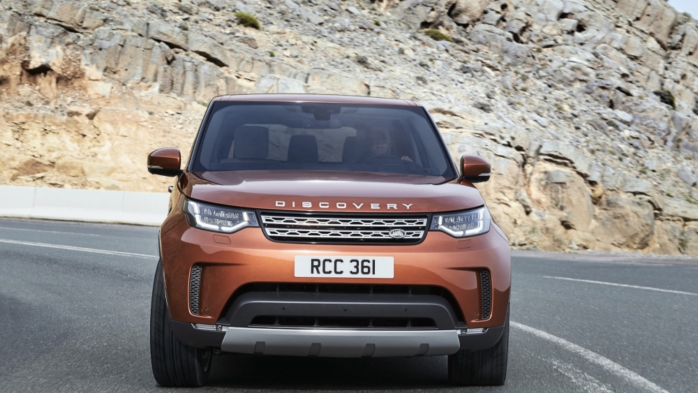 2017-land-rover-discovery-21