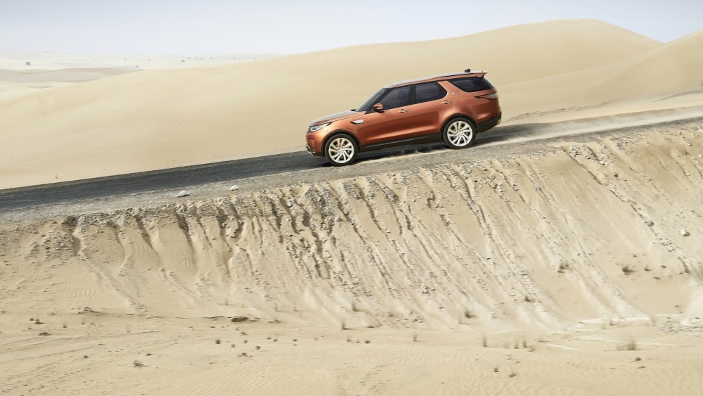 2017-land-rover-discovery-27