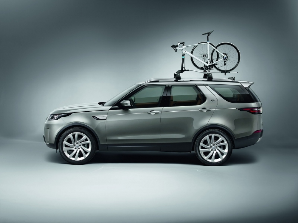 2017-land-rover-discovery-76