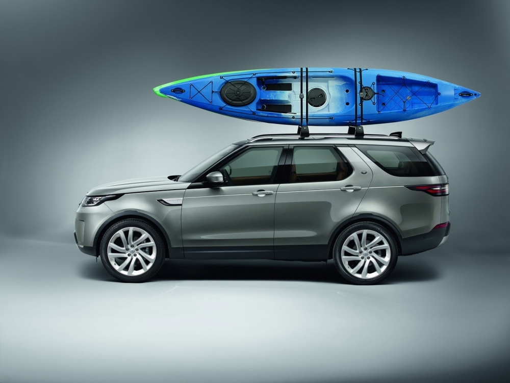 2017-land-rover-discovery-78