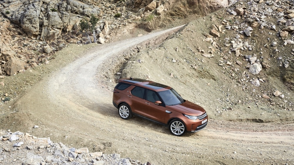 2017-land-rover-discovery-8