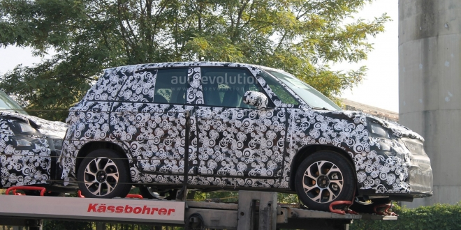 fiat-500l-facelift-first-spyshots-1